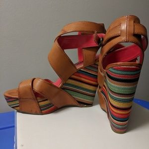 Unlisted colorful wedges sz 8.5